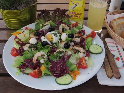 Supersalat mit Riesengarnelen im Restaurant Gatto Moro (Osnabrück)