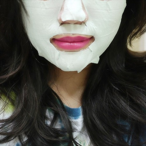 Who says you can't look pretty while doing a #claymasque?! lol thanks #farleyco for the #montagnejeunesse pampering session tonight :) #bbloggers