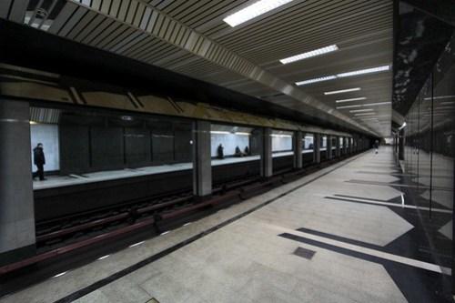 Pair of side platforms at Буревестник (Burevestnik)