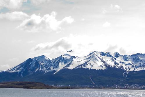 Avión aterrizando en Ushuaia