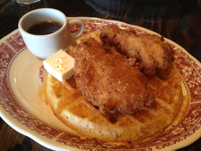 Buttermilk chicken and waffles - Luna Park