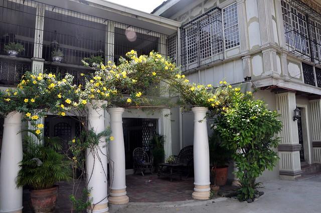 A Maloleño Mansion