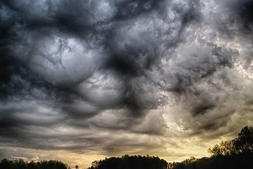 Undulatus Asperatus Clouds - Nearly On The Ground