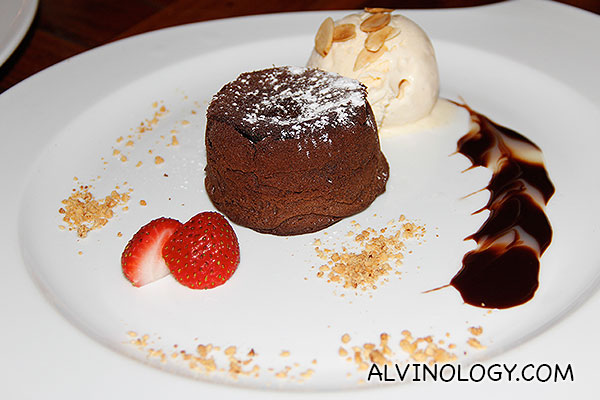 Chocolate Lave (S$14) - feather-light crust with molten chocolate center served with vanilla ice cream