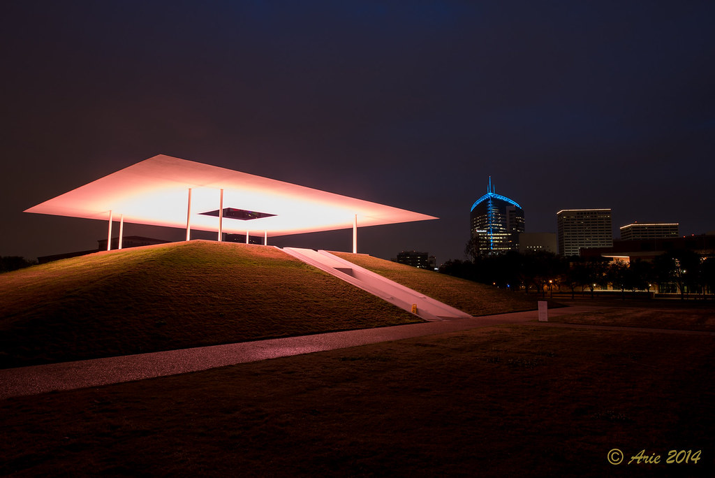 "James Turrell's ""Twilight Epiphany""  Skyspace"