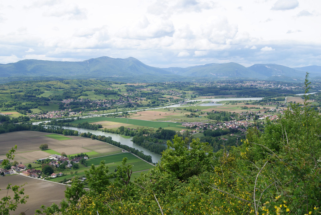 Virignin et Belley depuis la Savoie