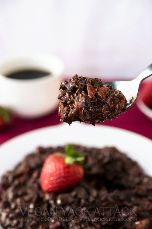 Chocolate-Covered Strawberry Oatmeal - A luscious and rich chocolate breakfast with sweet strawberries in every bite!