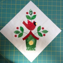 Jingle appliqué block 8