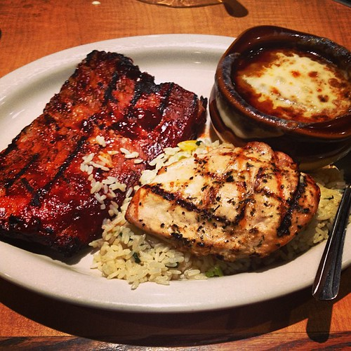 BBQ at Damon's by @MySoDotCom