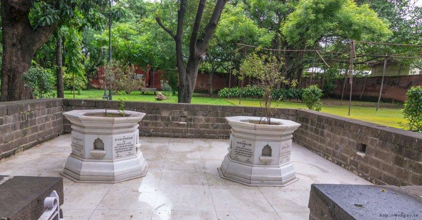 The samadhi of Kasturba Gandhi, Aga Khan Palace