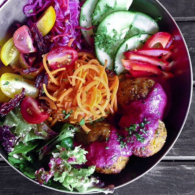 lonijane I eat rainbows. Brown rice and sweet potato balls with a beetroot coconut sauce! Accompanied by a epic salad. Great'full' x