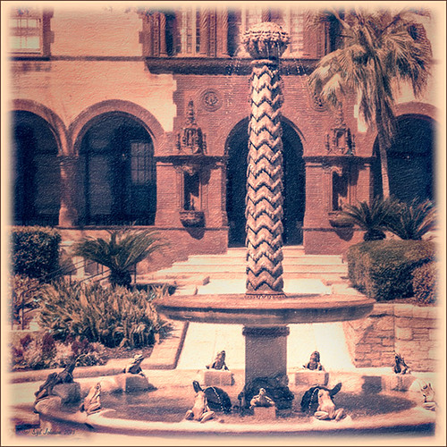 Image of turtle and frog fountain at Flagler College in Florida