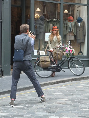 Edinburgh Cycle Chic gatecrashes Harris Tweed Authority photo shoot