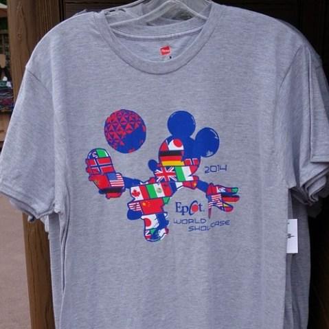 EpcotのサッカーTシャツ。ワールドカップを意識してるのかな。