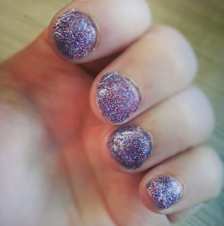 glitter fuse manicure