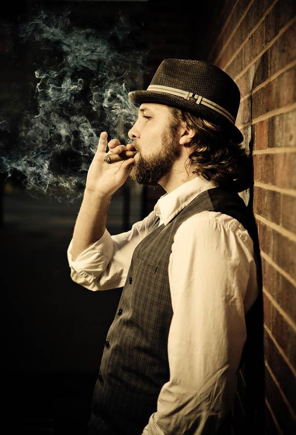 Портрет мужчины с сигарой