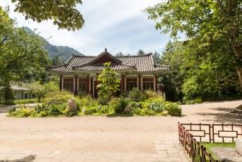 Het is de enige overgebleven tempel in Noord-Korea.