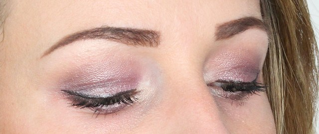 make-up look purple