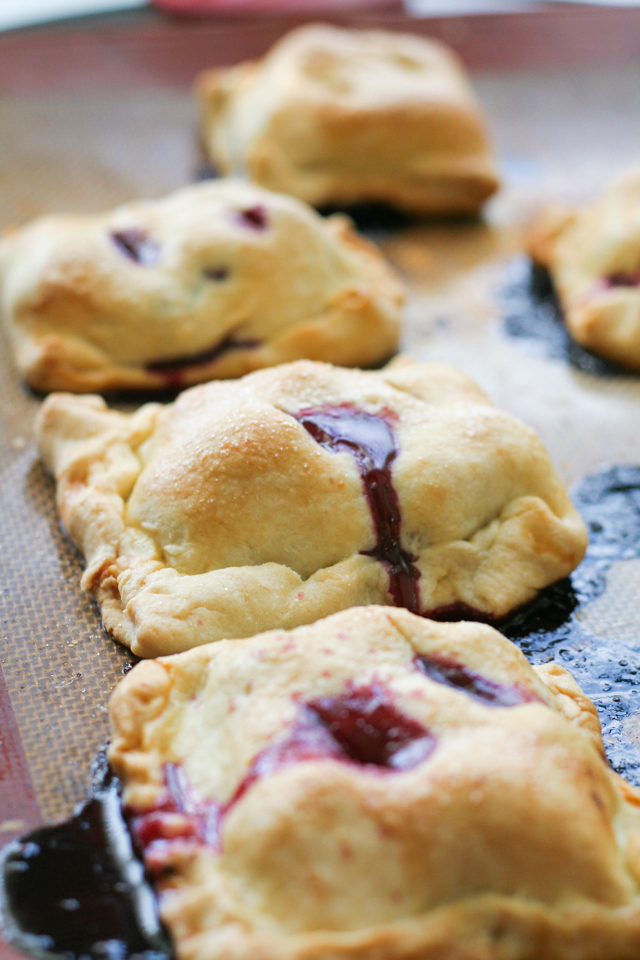 spiced blackberry hand pies [ inthiskitchen.com ]