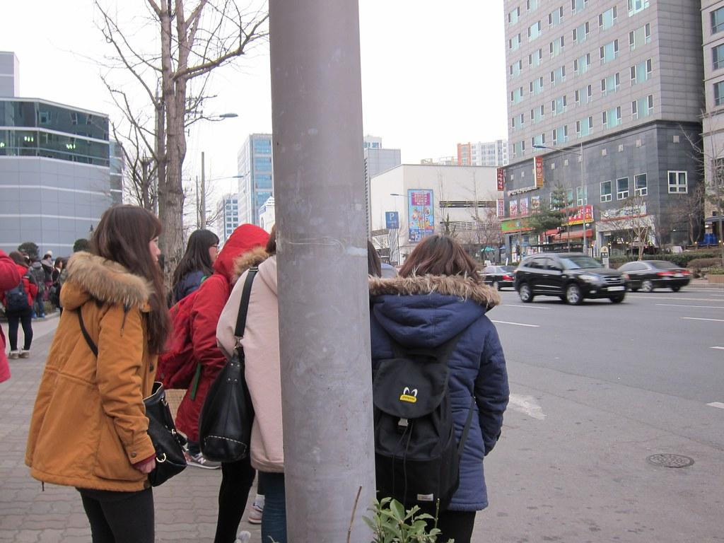 Kpop van #inkigayo #fangirl #stalking #koreatrip #seoul