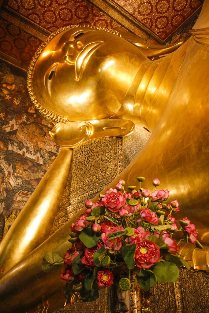 den liggende Buddha i Bangkok, Thailand