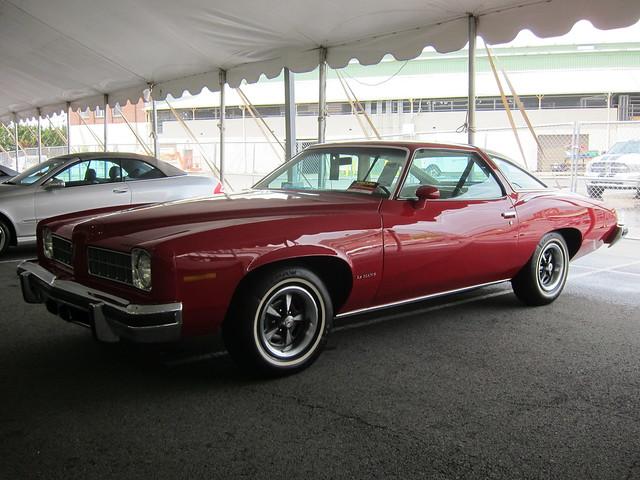 1975 Pontiac LeMans a