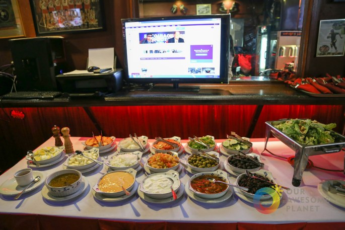 HOWZAT Friday Indian Curry Buffet-8.jpg