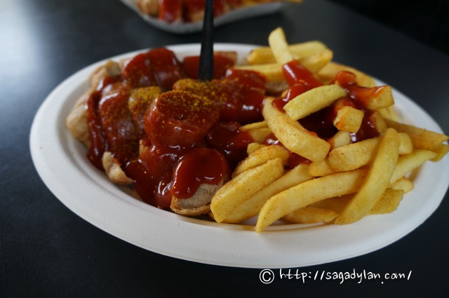 berlin1-currywurst-kadewe-15