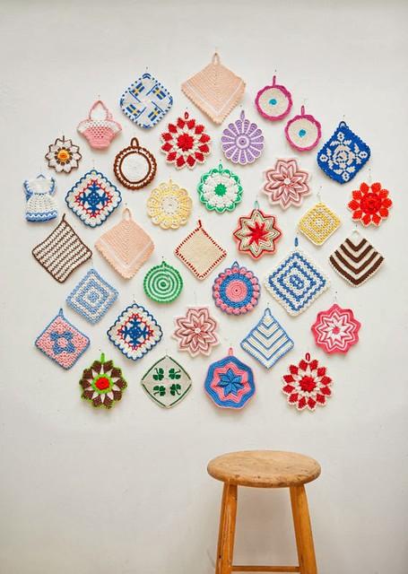 crochet potholder collection via maker mama craft blog