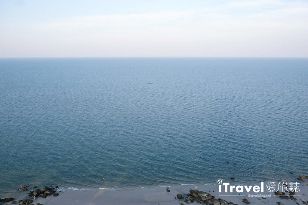 《华欣高空酒吧》White Lotus Sky Bar:前往希尔顿度假村顶楼,眺望华欣海湾与夕阳美景。