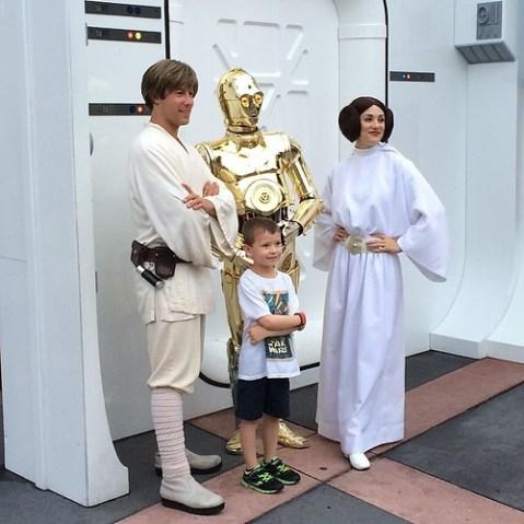 ルークとレイアとC3PO。