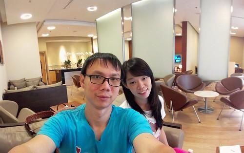 แต่หากถ่ายด้วย Panoramic Selfie ของ Huawei Ascend P7 แล้ว จะได้ภาพมุมกว้างแบบนี้