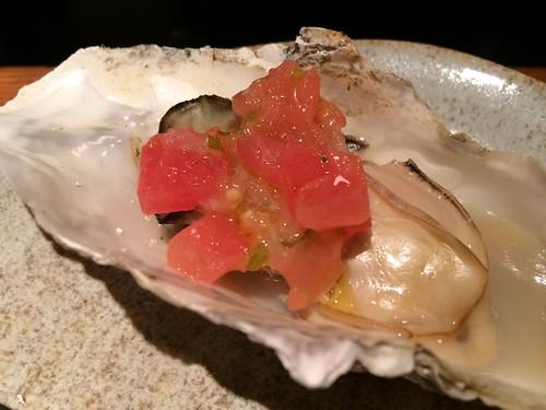 蒸し牡蠣にトッピング@かき殻荘
