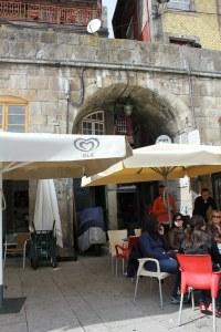 Arcades sur les quais de Porto