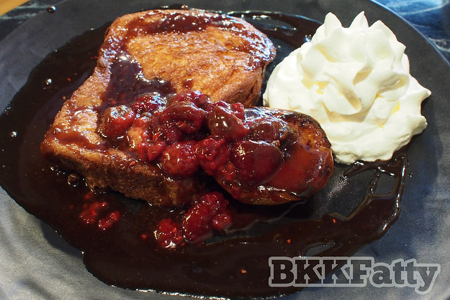 french toast and berries amatissimo