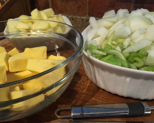 Celery-Celery soup with apple ingredients