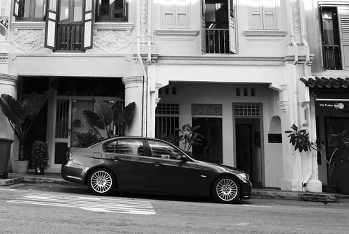 E90 3 Series along Club Street