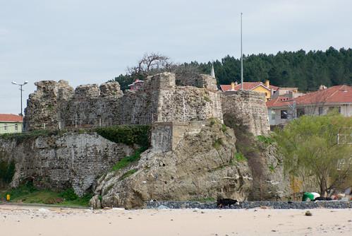 Riva Castle in Riva Village, a small fisher village in Blacksea region of Istanbul (pentax k10d)