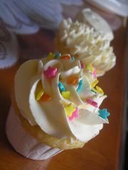 Vanilla Cupcakes 4