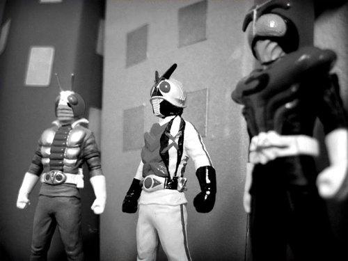 V5-Kamen-Rider-X