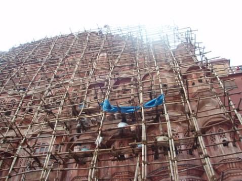 Restauración del Hawa Mahal o Palacio de los Vientos en Jaipur