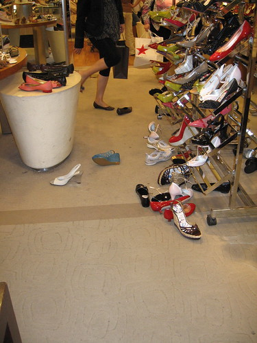 shoecarnage