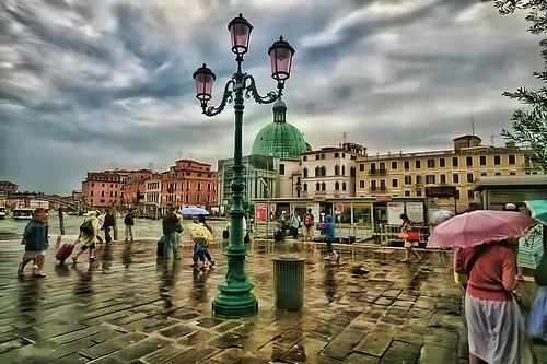 Venezia Waiting 4 the Vaporetto - Topaz Vibrance