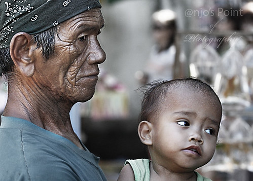 grandfather lolo infant toddler boy  Buhay Pinoy Philippines Filipino Pilipino  people pictures photos life Philippinen  菲律宾  菲律賓  필리핀(공화�)  childminding