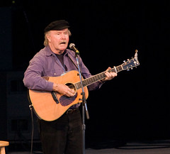 "Tom Paxton • <a style=""font-size:0.8em;"" href=""http://www.flickr.com/photos/54494252@N00/2798744250/"" target=""_blank"">View on Flickr</a>"
