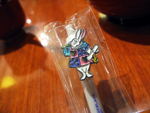 愛莉絲兔的��耶~>w<