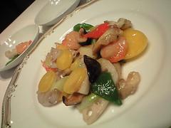 アオリイカとホッキ貝の季節野菜炒め@雁飯店 中国割烹 大岩