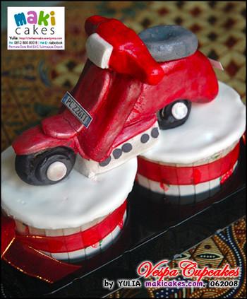 Vespa Cupcake