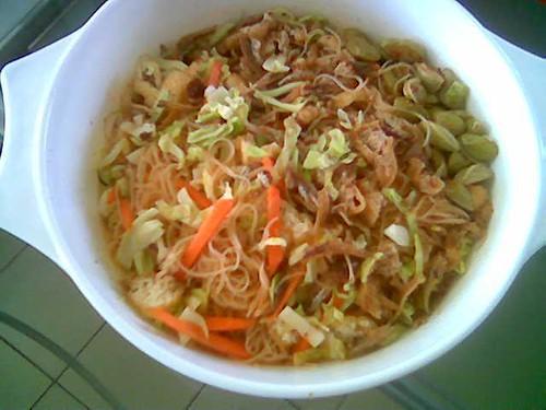 3Q-Takeaway Thai-style mihun with sambal petai