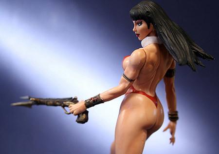 una de tantas figuras de acción de Vampirella, ta wuenésema!